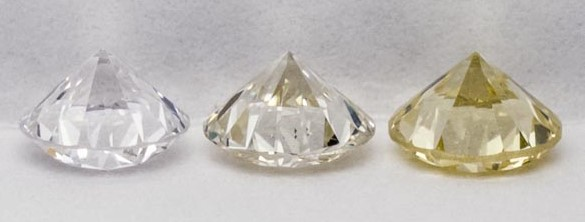 K colored diamond in the middle
